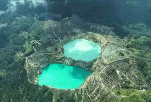 8 Thrilling Activities to Do in Three Color Lakes, Kelimutu 01 - Finansialku