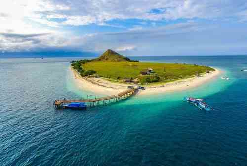 6 Best Tourist Destinations of Sumbawa to Visit In 2021 011 - Finansialku