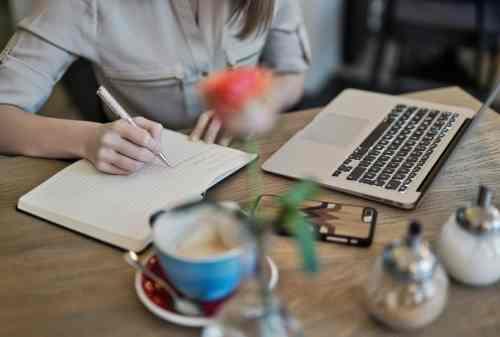 Mahasiswa Jadi Freelancer, Bisa Kok! Yuk, Atur Keuangan dengan Baik 03 - Finansialku