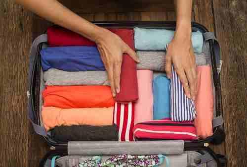 Tips Praktis Travelling Tanpa Bagasi (BONUS Cara Mengepak Barang) 02 - Finansialku
