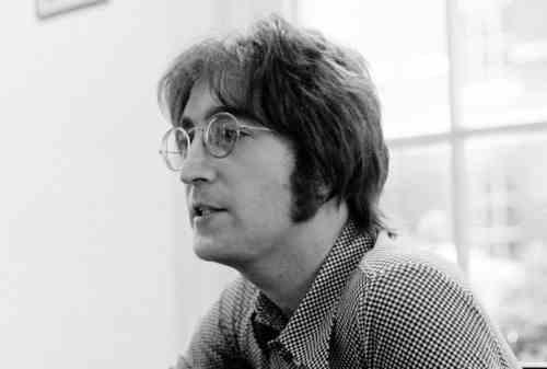 Yuk, Simak John Lennon Quotes yang Penuh Positive Vibes 04 - Finansialku