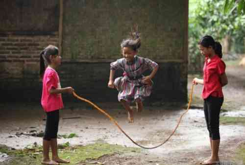 Biar Nggak Punah, Lestarikan Permainan Tradisional Ini Ke Anak, Yuk! 03 - Finansialku