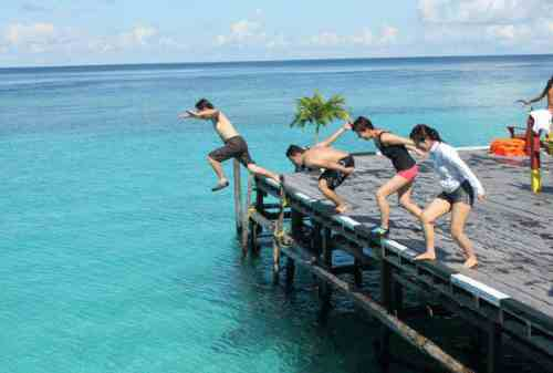 7+ Tips Backpacking ke Derawan dengan Budget Share Cost 01 - Finansialku