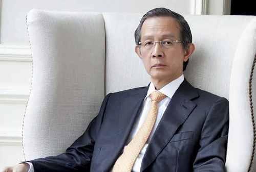Kisah Sukses Alexander Tedja, Raja Properti Mall di Surabaya 01 - Finansialku