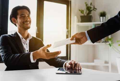 Bagaimana Cara Menentukan Bonus Tahunan Karyawan Secara Adil 01 - Finansialku