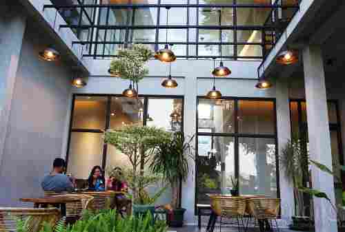 8 Best Cafés In Yogyakarta For Your Cozy Hang Out In The Weekend 08 Finansialku