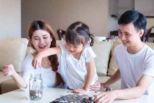 Pilih Mana Gaji Besar Tapi Jauh dari Keluarga atau Gaji Standar Tapi Dekat Keluarga 01 - Finansialku