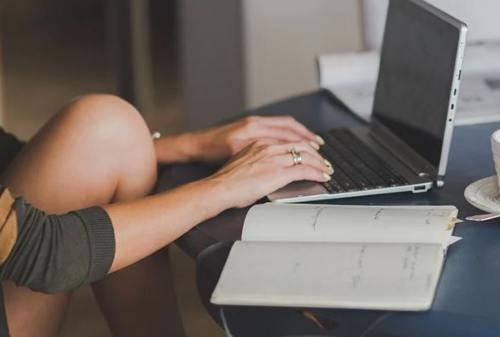 Menambah Penghasilan Untuk Seorang Freelancer_ Simak Tips-tips Berikut Ini - 01 - Finansialku