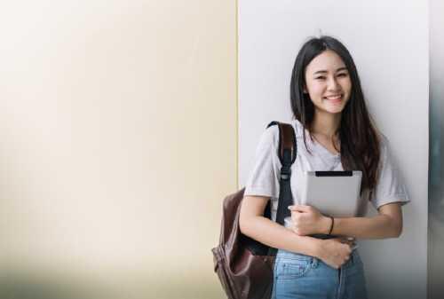 Pos Keuangan yang Harus Dimiliki Mahasiswa yang Kuliah di Luar Negeri 01 - Finansialku