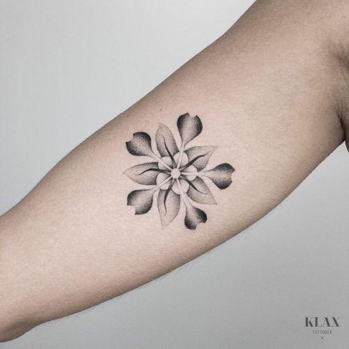 klax.tattooer