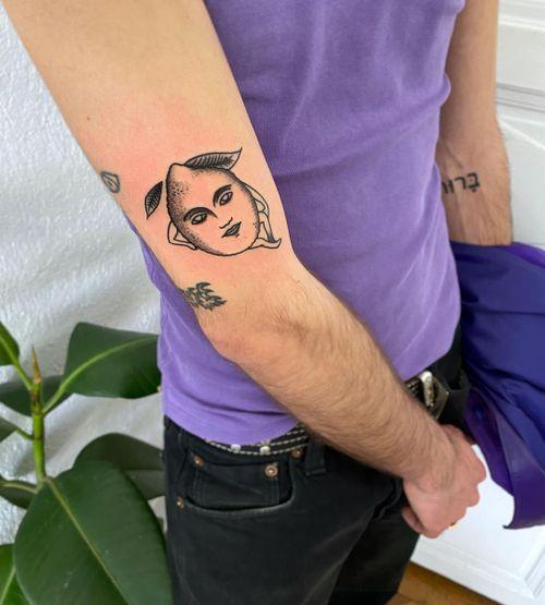 salutmanu_tattoo