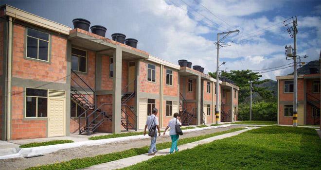 Fondo Adaptación entrega 96 viviendas en Honda, Tolima