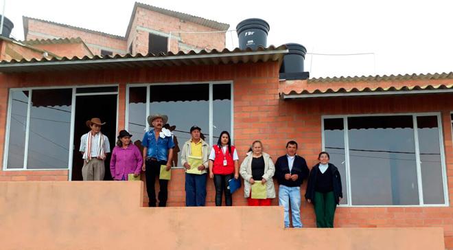 Familias de Sutatenza reciben nuevas casas del Fondo Adaptación