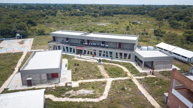 """""""Los Gómez"""", un colegio construido por el Fondo Adaptación, es semillero de investigación y ciencia"""