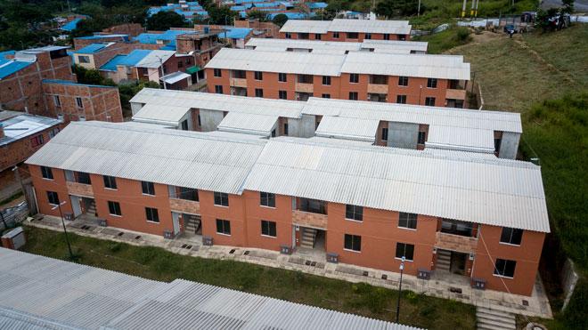 Fondo Adaptación entregó 140 nuevas casas en Bucaramanga