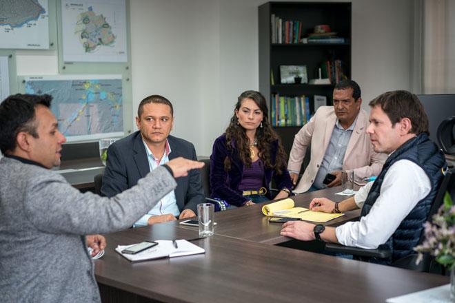 Gerente del Fondo Adaptación y alcalde de Corinto revisaron avances de proyectos