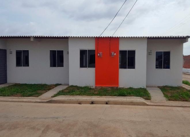 Fondo Adaptación realizó entregatón de viviendas en Córdoba