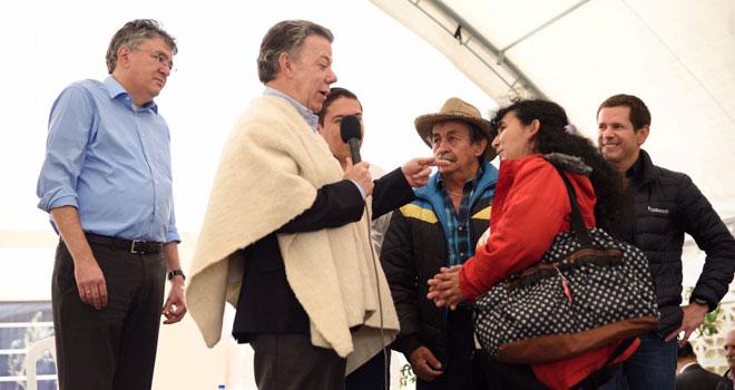 Presidente Juan Manuel Santos entrega 100 nuevas viviendas en Chiquinquirá