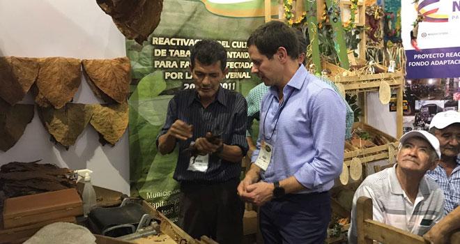 El gerente está presente en el 3er Congreso  Regional de Frutas y Hortalizas - Agroferia  que se realiza en CENFER Bucaramanga