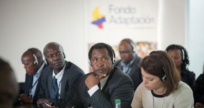 Fondo Adaptación comparte experiencia en gestión de riesgos a delegación de Kenia