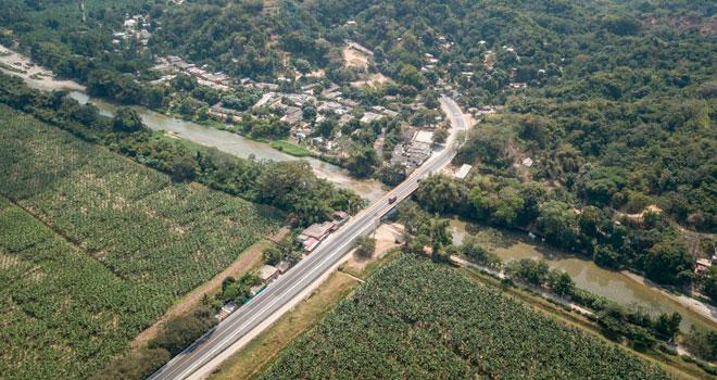 Ya circulan a diario más de 3.000 vehículos por el nuevo puente Guachaca en Magdalena