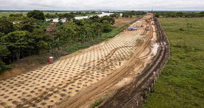 Avanzan obras de construcción de accesos de tramo vial Yatí-Bodega (Bolívar)