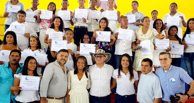 Fondo Adaptación graduó los primeros 262 comunicadores A Fondo