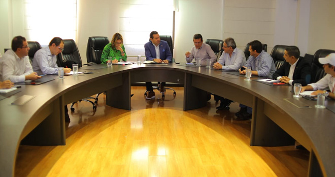 Fondo Adaptación expone a Gobernador de Santander y alcaldes de Garcia Rovira la situación del Puente Hisgaura