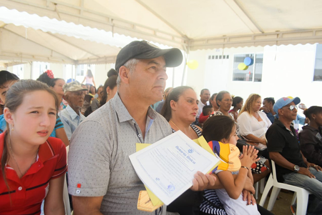 Fondo Adaptación entrega 178 nuevas viviendas en Ciénaga (Magdalena)