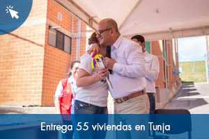 Entrega 55 viviendas en Tunja