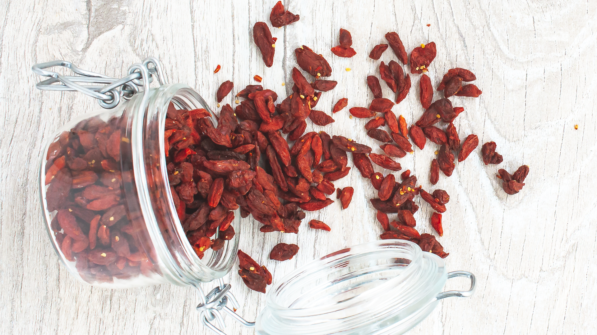 Superfood Goji Berry: Nutrition & Benefits Article Thumbnail