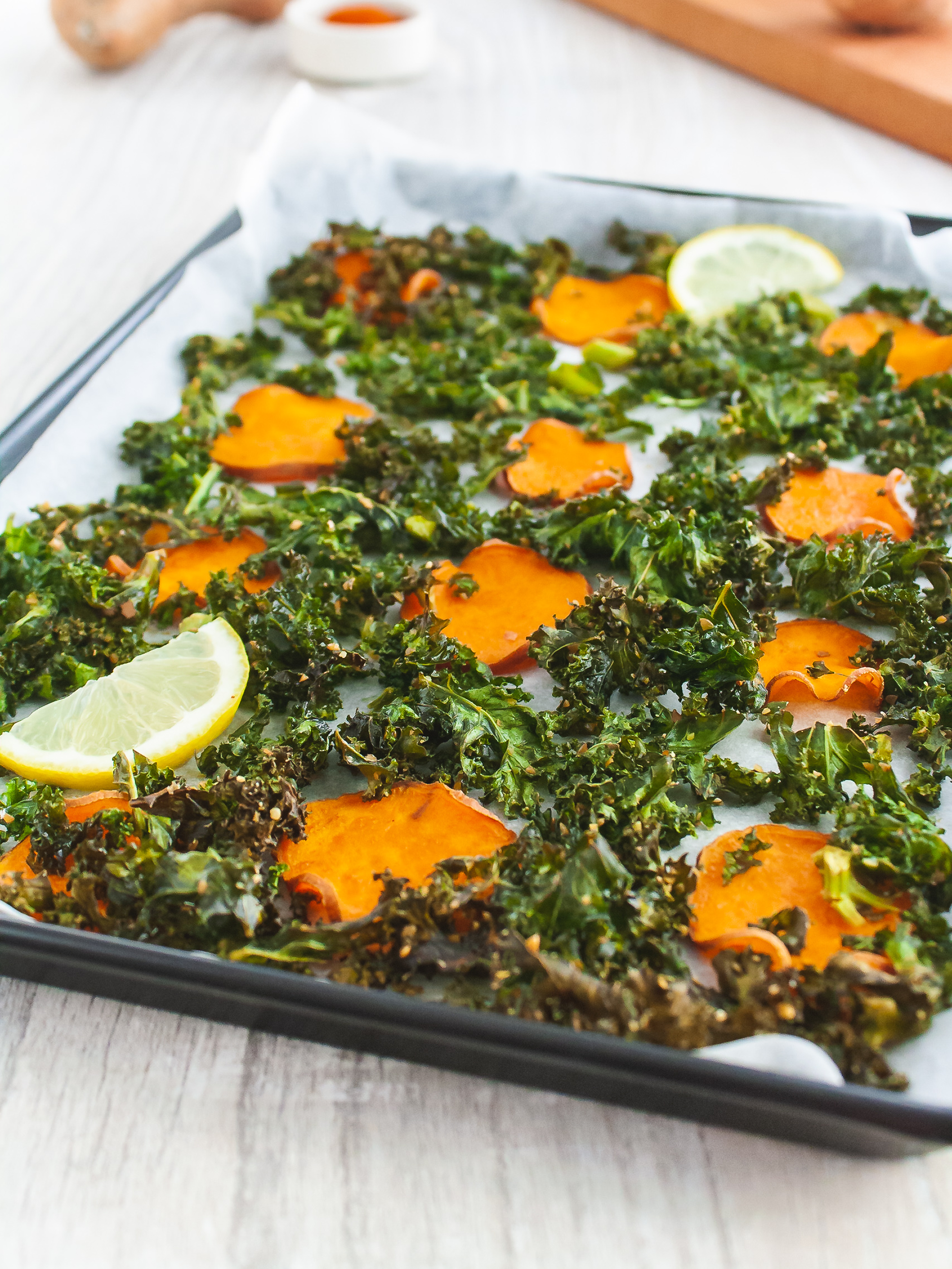 Baked Sweet Potato Chips and Flaxseeds Kale Crisps Thumbnail
