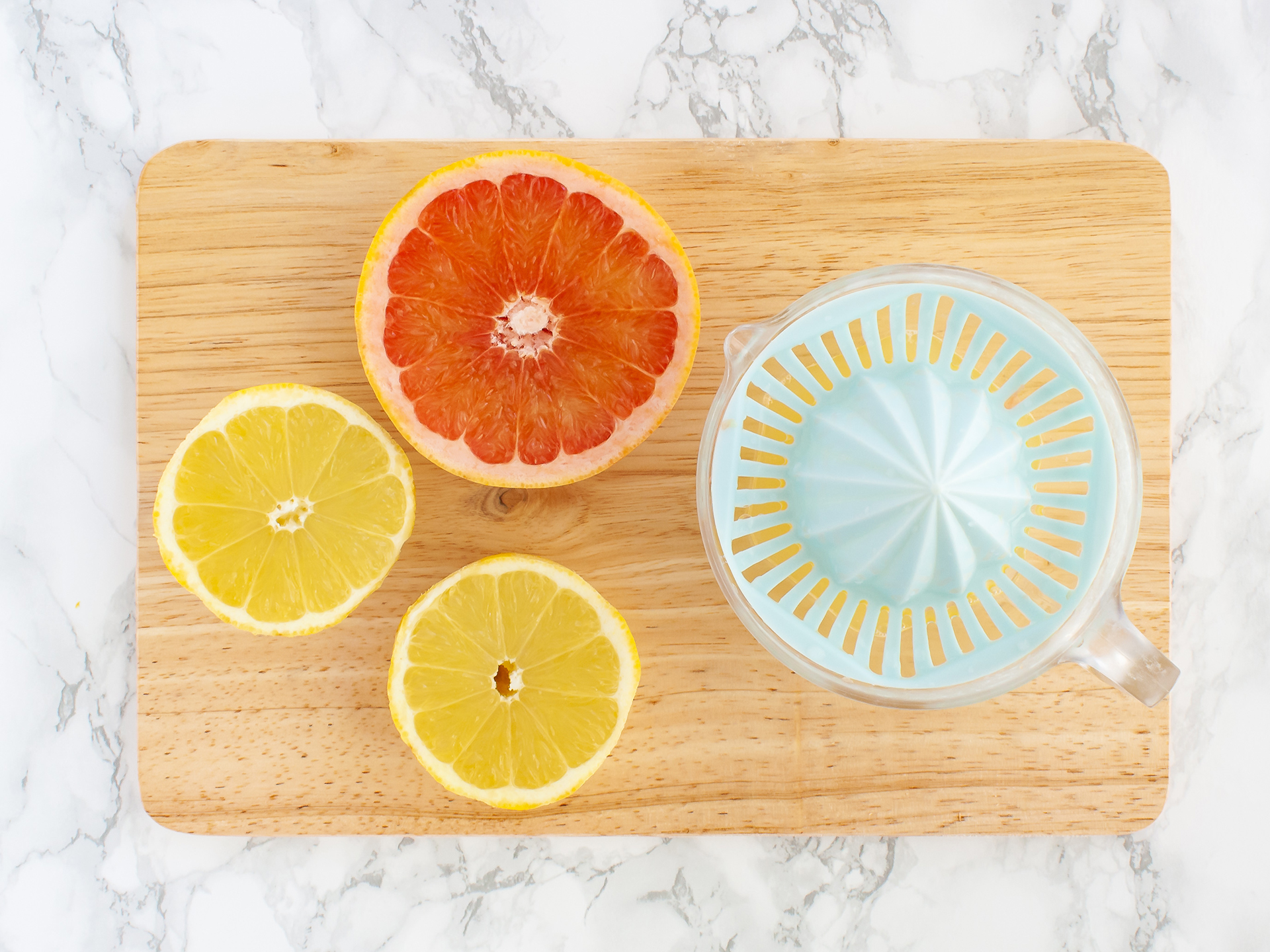 Step 2.1 of Detox Grapefruit Spirulina Lemonade with Turmeric