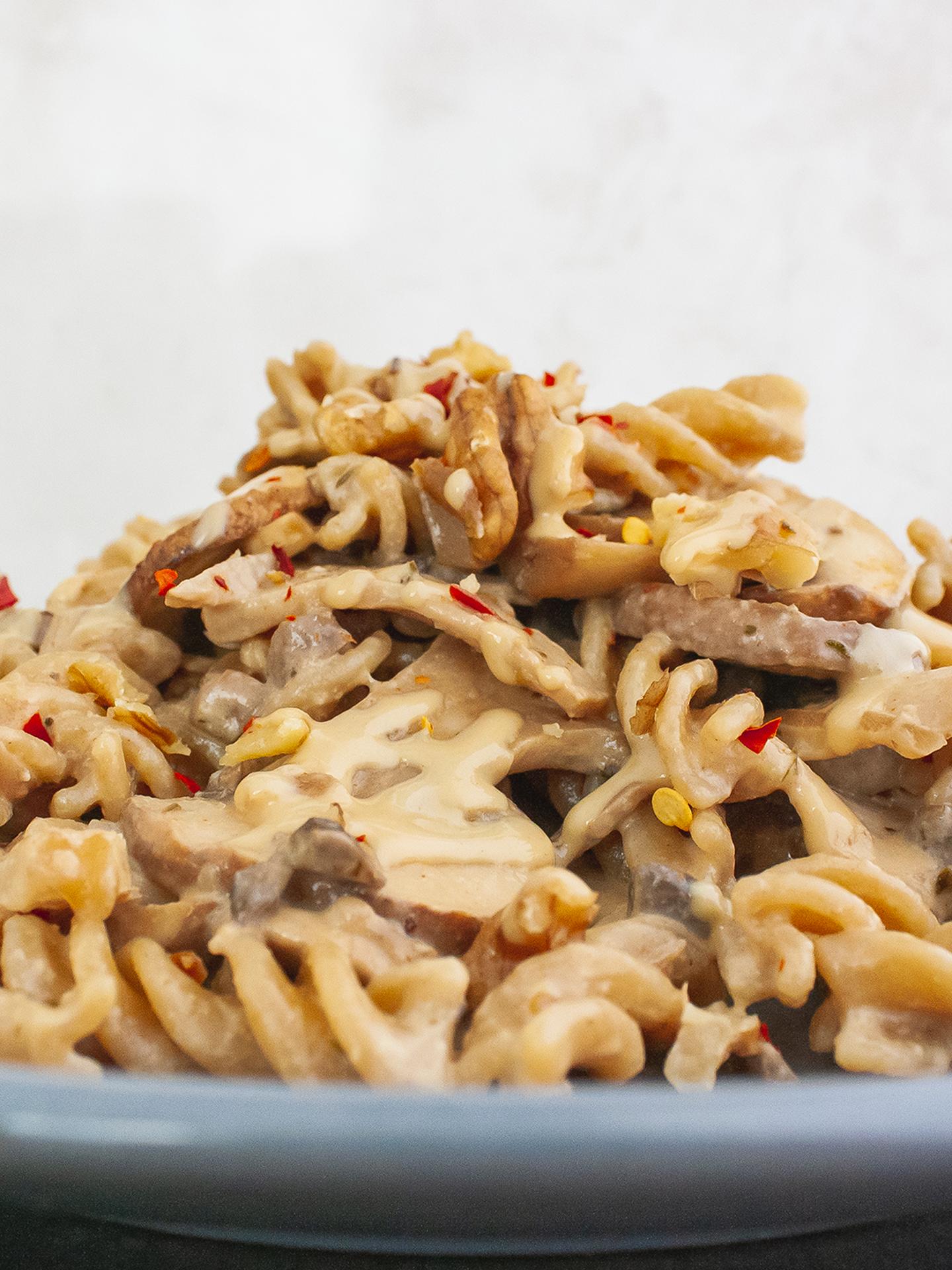Creamy Vegan Pasta with Spicy Mushrooms, Walnuts and Tahini Sauce Thumbnail