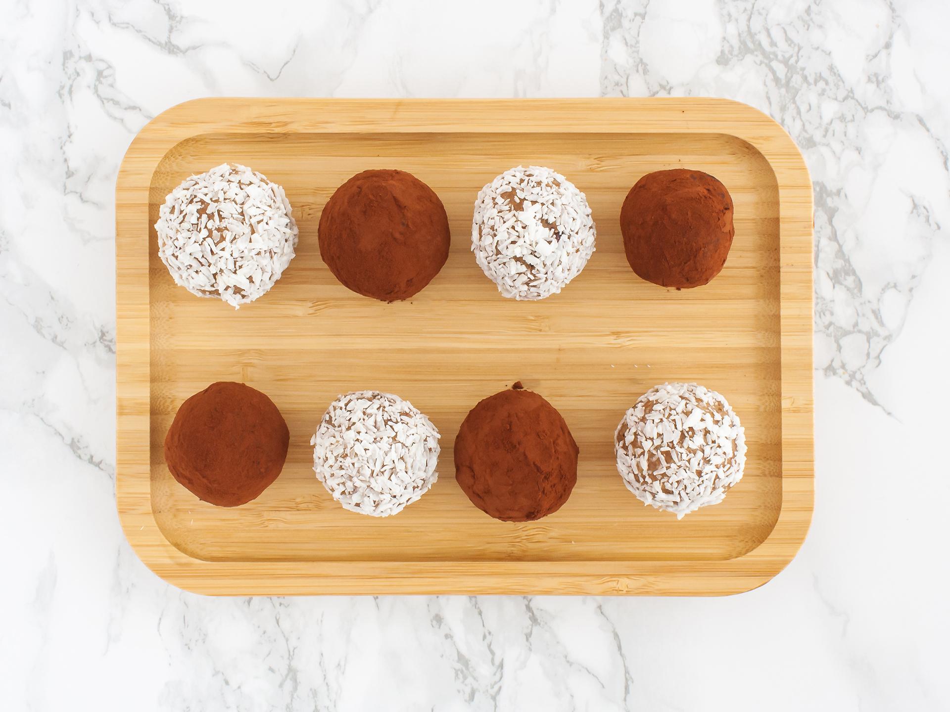 Step 4.1 of Chocolate and Coconut Cashew Truffles Recipe