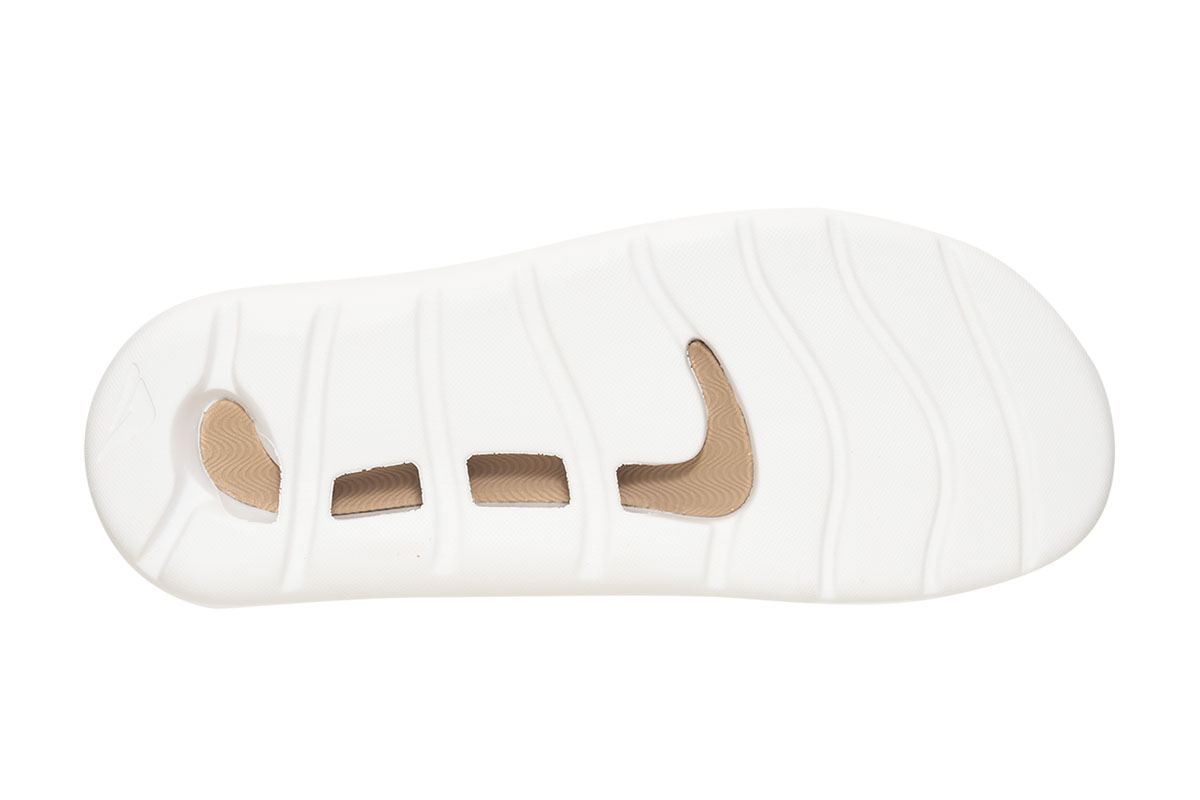 129669 groovewht sole