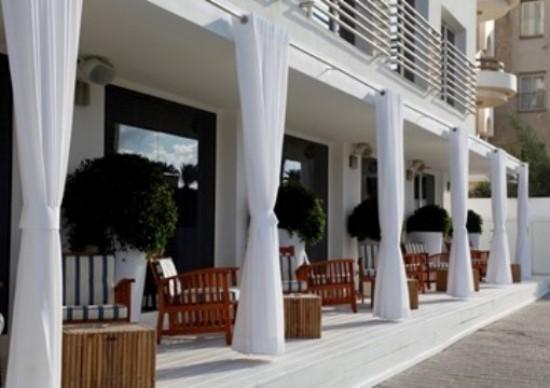 El Shalom Hotel