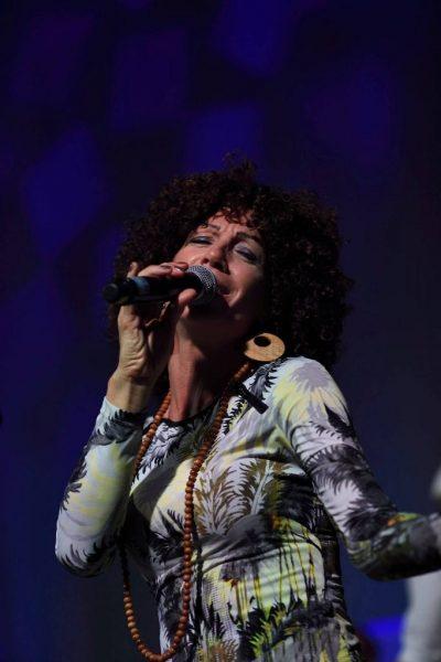 Sängerin Gogo auf Bühne