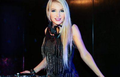Sängerin und DJane Frankfurt buchen Monica Babilon