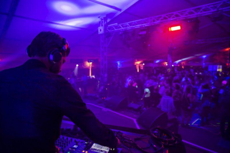 DJ 80er Jahre Betriebs sommerfest eventagentur frankfurt formwandler events