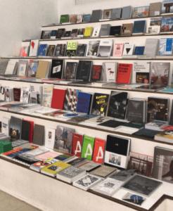 Bücher im DAM