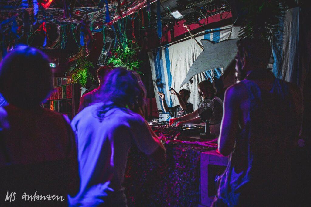 Clubevent Tanzhaus West MS Anzanzen DJs