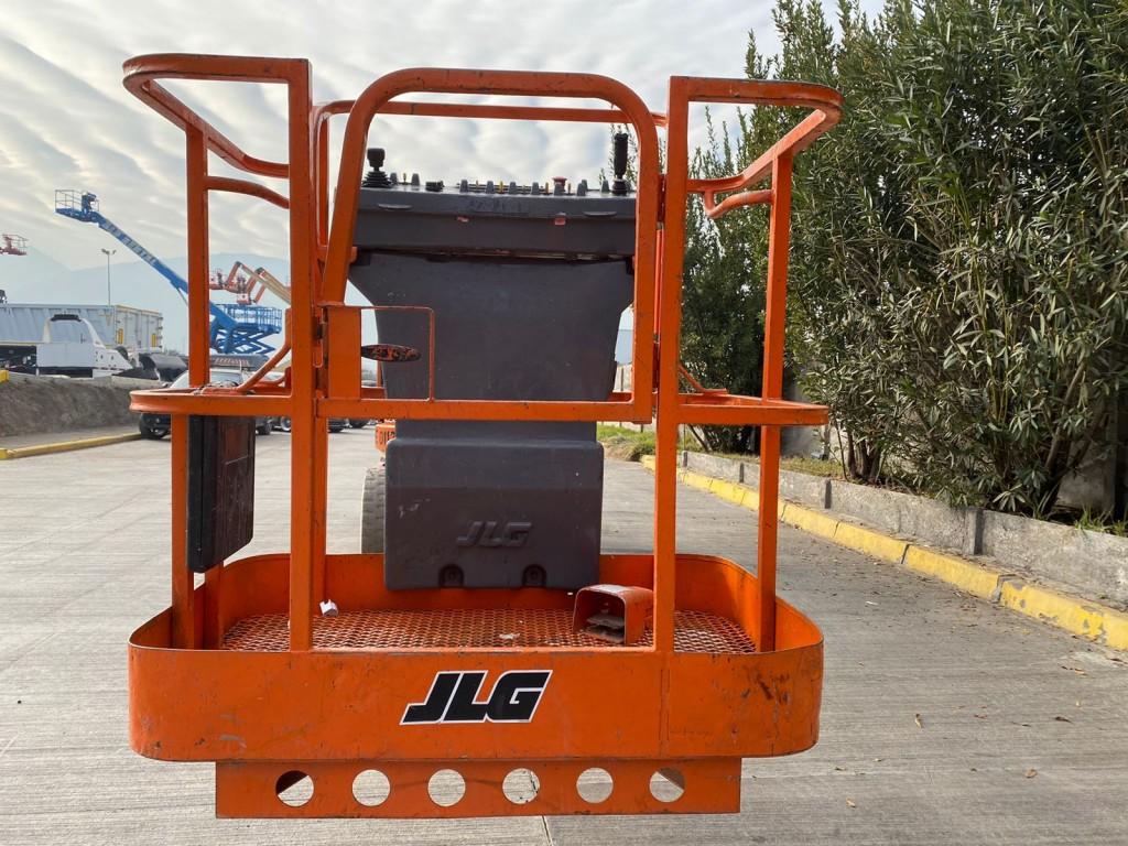 JLG E300AJP