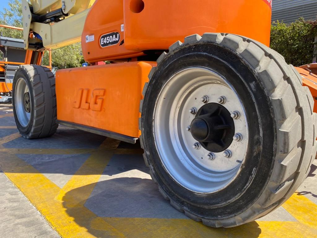 JLG E450AJ