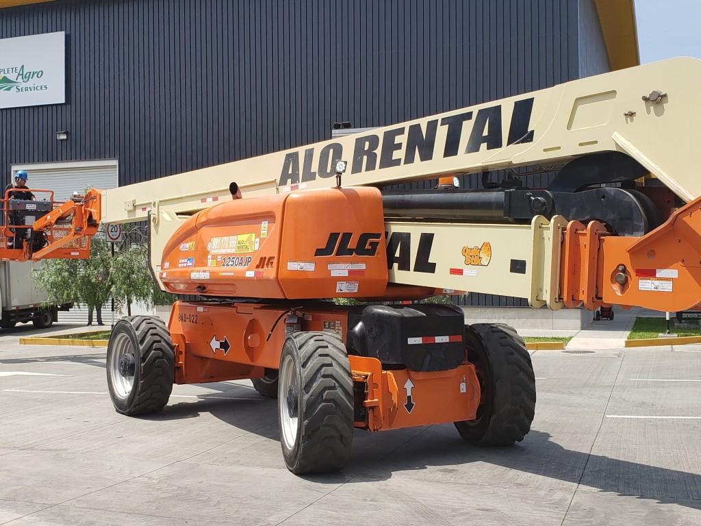 JLG 1250AJP