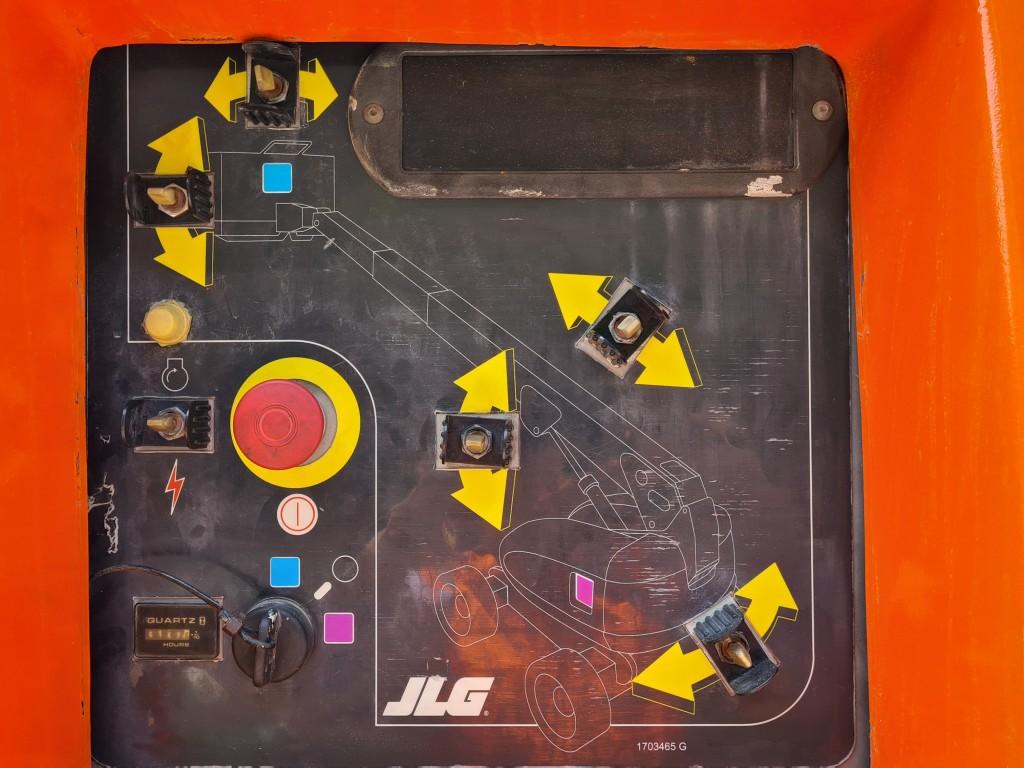 JLG 600 S