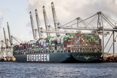 Containerschip Ever Given in Rotterdam