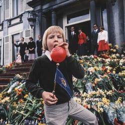 Prins Willem-Alexander met ballon