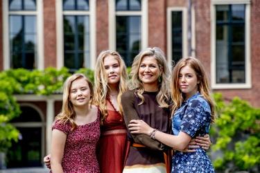 Koningin Máxima en de drie prinsessen tijdens jaarlijkse fotosessie