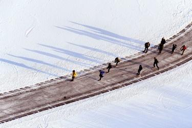 Schaatsers op de Ankeveense Plassen